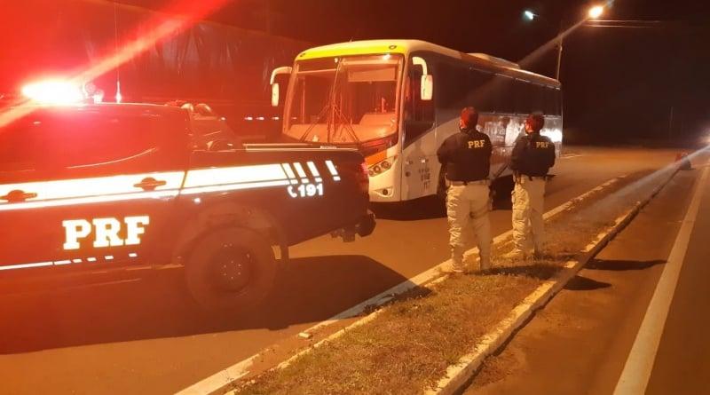 PRF apreende na BR 316 ônibus adulterado e com restrição de circulação - Imagem 1