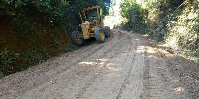 Prefeitura Municipal de Monsenhor Gil mais uma vez recupera estradas