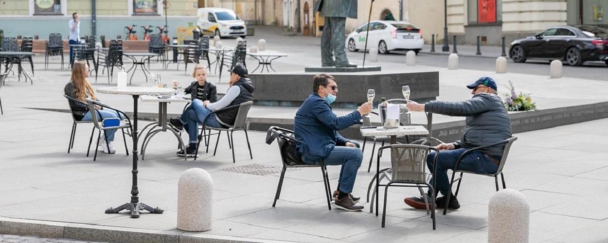 Sair para comer só é mais seguro em ambientes arejados