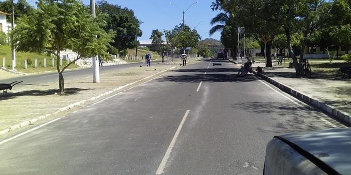 Prefeitura de Monsenhor Gil não cessa os trabalhos de limpeza das vias públicas, mesmo em tempos de pandemia