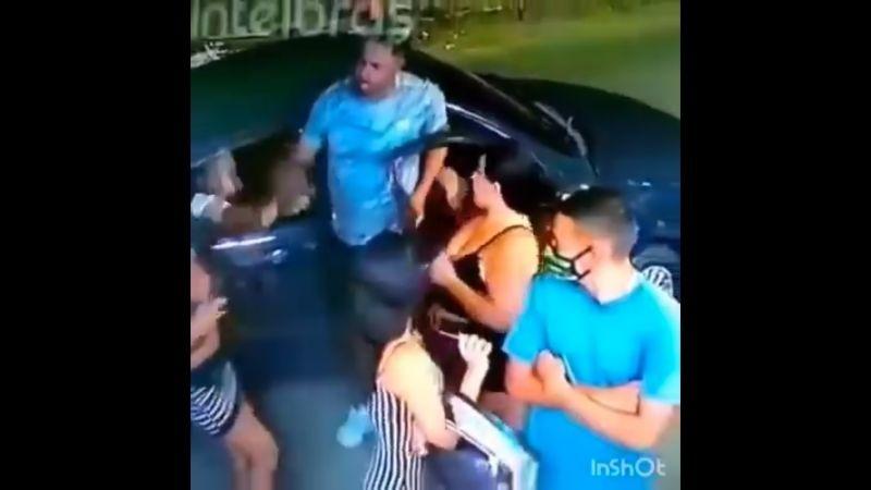 """Homem agride duas mulheres e uma travesti após levar """"fora""""; vídeo - Imagem 1"""