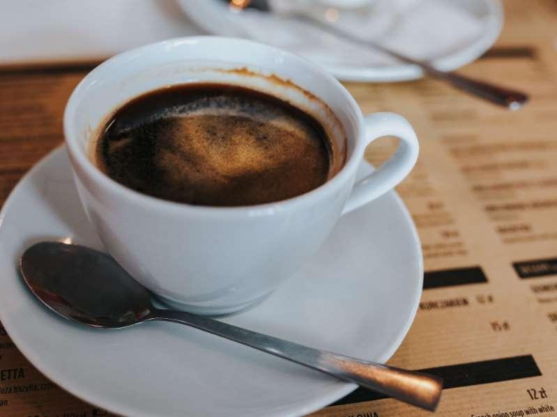 Beber 3 xícaras de café por dia pode reduzir risco de hipertensão  - Imagem 1