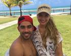 """Noiva de Gabriel Diniz diz que é ameaçada por fã do cantor: """"Me culpa"""""""
