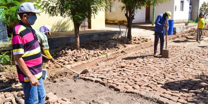 Prefeitura de Joaquim Pires inicia obras de recuperação de calçamentos