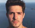 Ator da Globo se assume gay, perde seguidores e celebra liberdade
