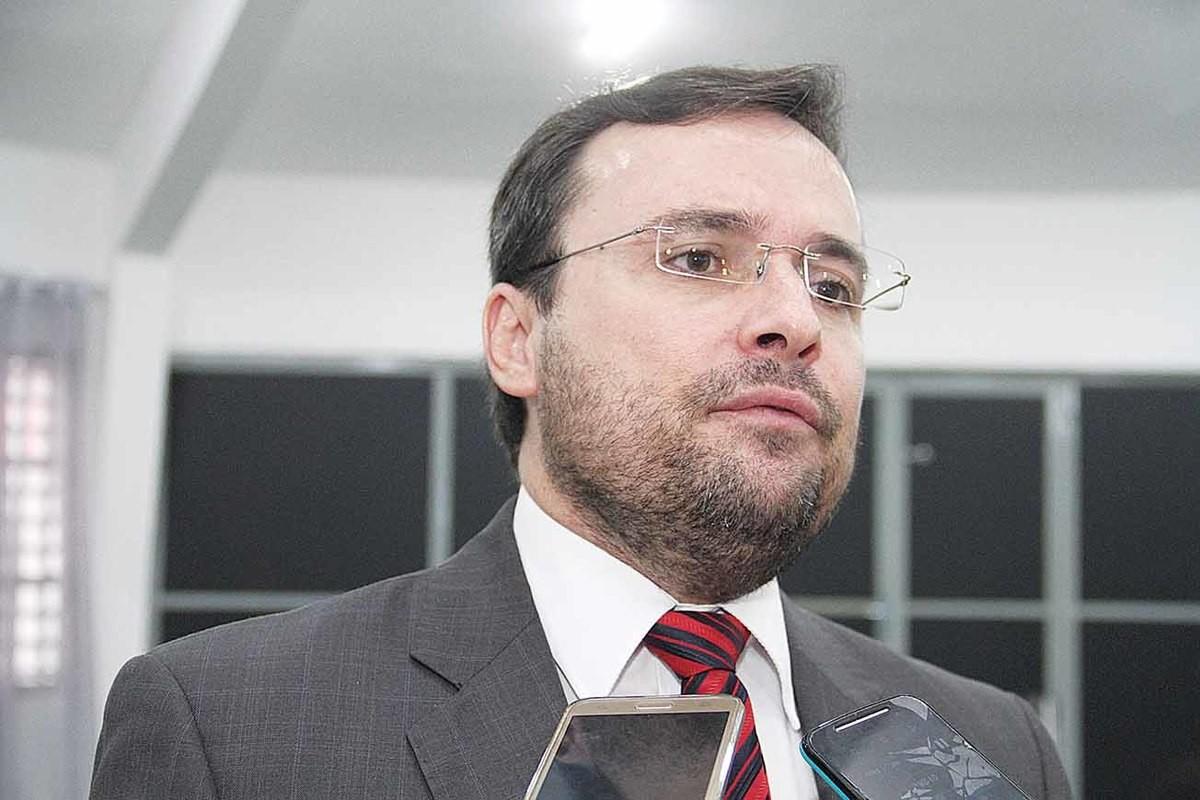 Piauí terá R$ 23 milhões para auxílio emergencial a artistas locais, diz Fábio Novo