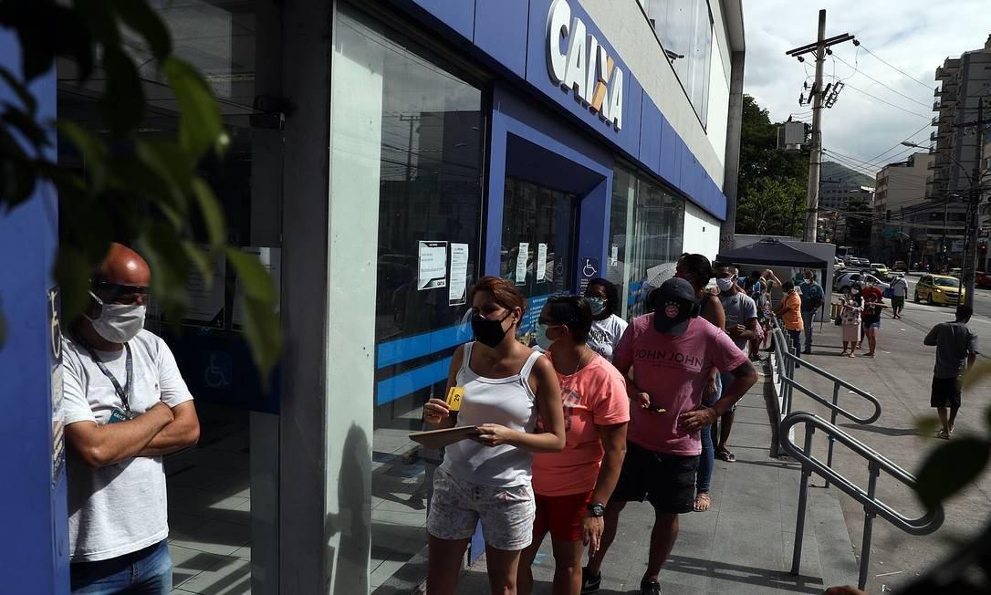 Governo decide pagar mais 2 parcelas de R$ 300 do auxílio emergencial - Imagem 1