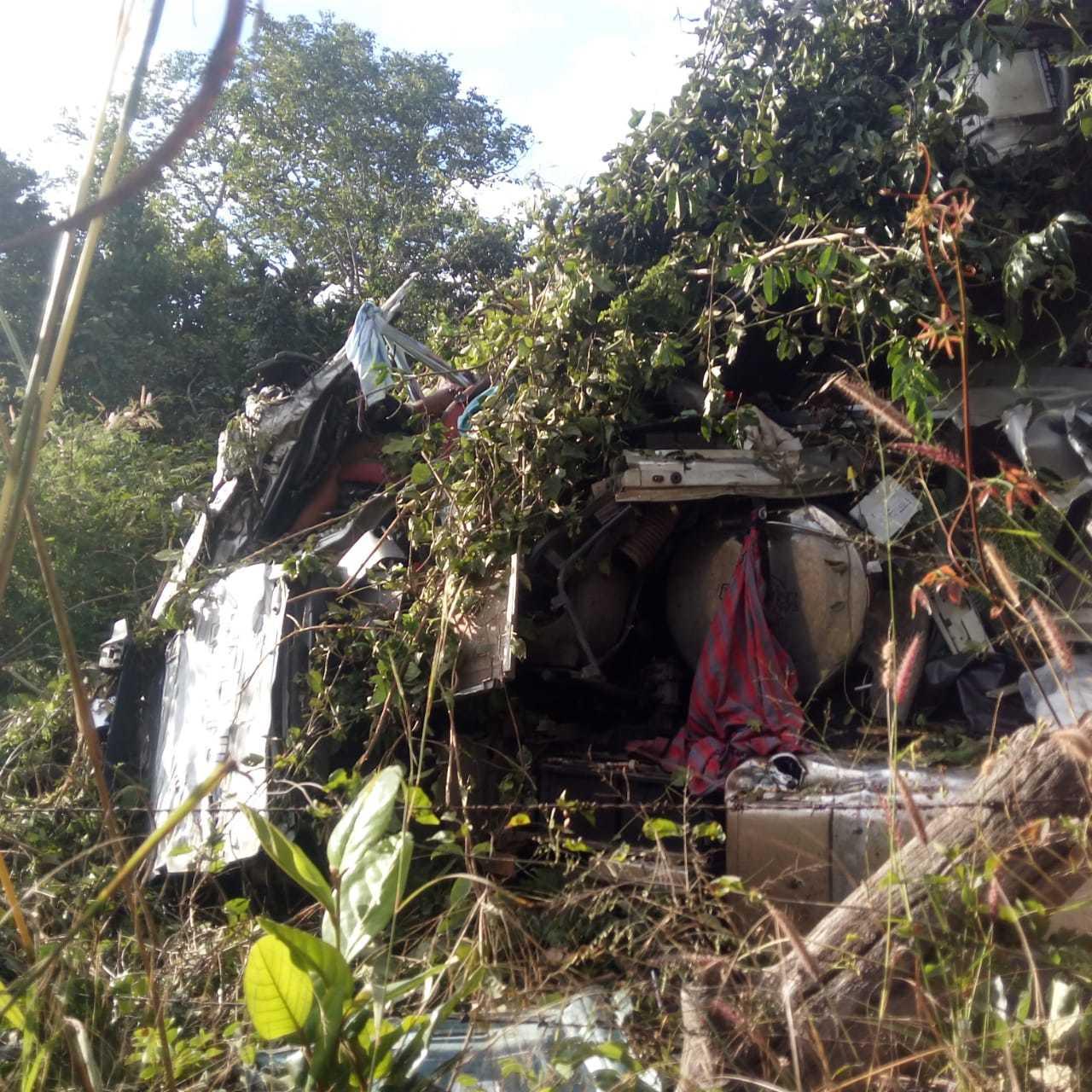 Caminhoneiro morre em grave acidente envolvendo duas carretas no Piauí - Imagem 1