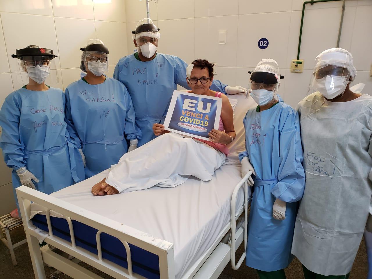 """Idosa curada da Covid-19 no HUT descobriu doença """"por acaso"""" - Imagem 1"""
