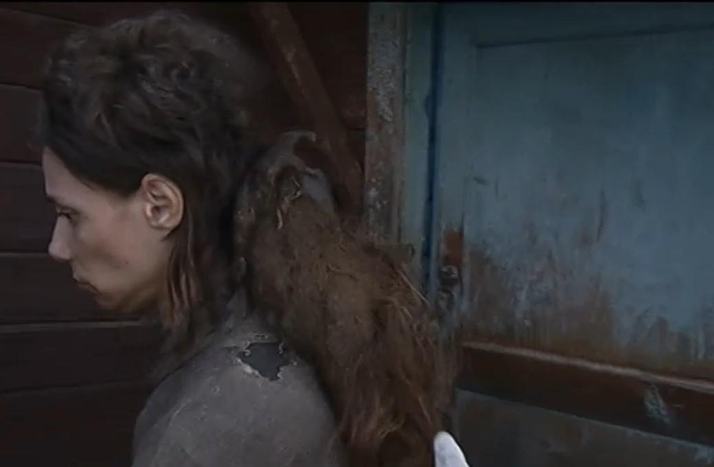 O cabelo de Nadezhda, quando ela foi encontrada. (Fonte: The Sun/Reprodução)