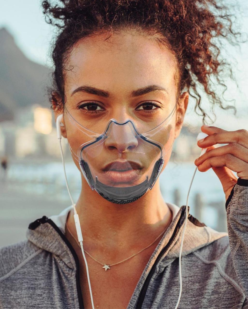Primeira máscara transparente é aprovada
