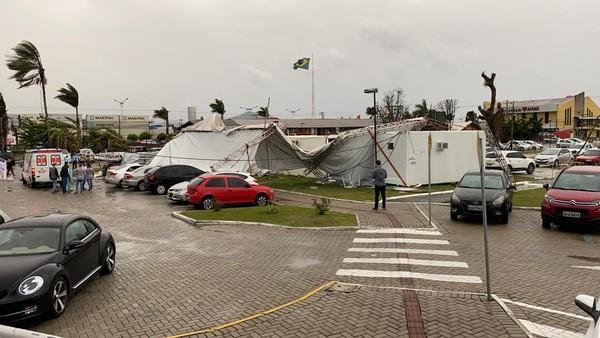 Estragos causados por ciclone-bomba em SC