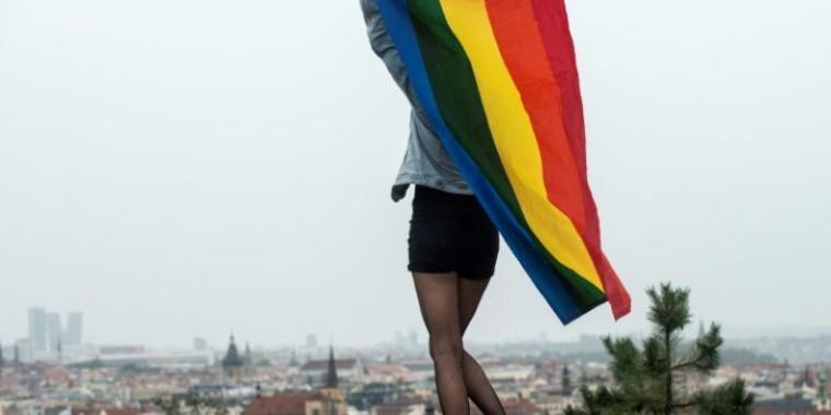 """Justiça condena ativista LGBT por """"propaganda homossexual"""""""