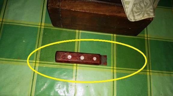 Lâmina da faca pode ter ficado cravada no corpo da vítima