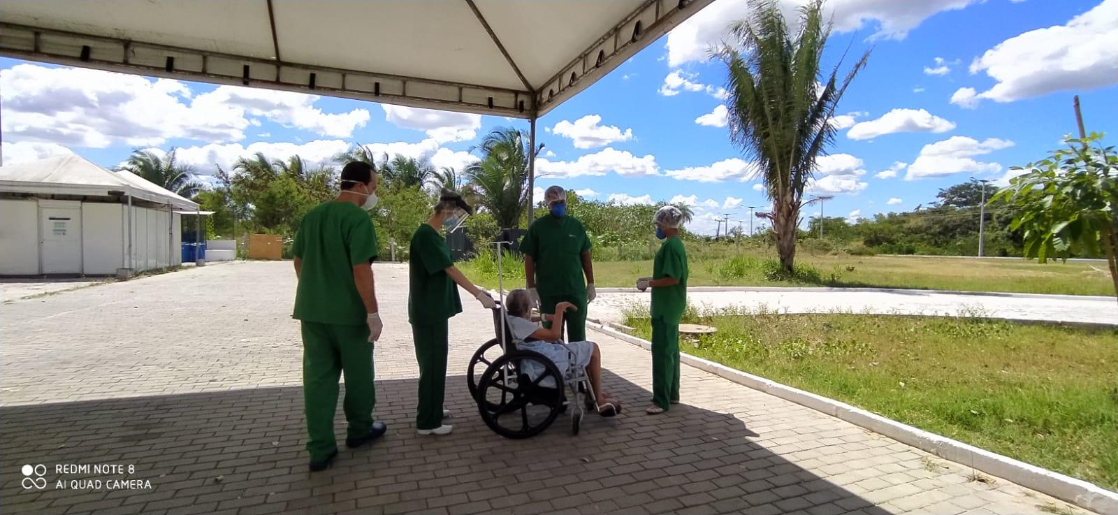 Com a iniciativa, a equipe de saúde pretende proporcionar bem-estar e acelerar o processo de cura dessas pessoas.
