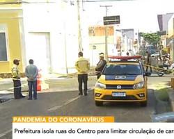 Centro de Teresina amanhece com ruas isoladas para evitar aglomeração