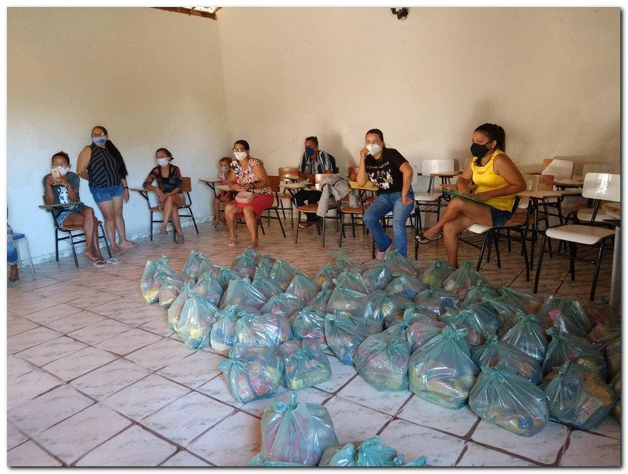 Prefeitura de Inhuma e Secretaria de Educação entrega  Kits de Alimentação Escolar  - Imagem 3