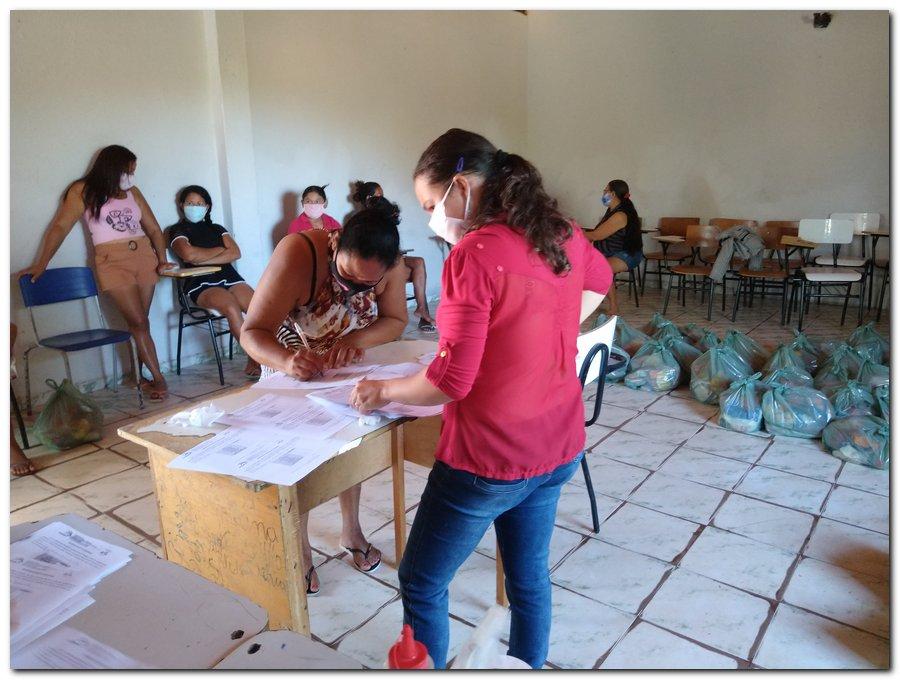 Prefeitura de Inhuma e Secretaria de Educação entrega  Kits de Alimentação Escolar  - Imagem 7