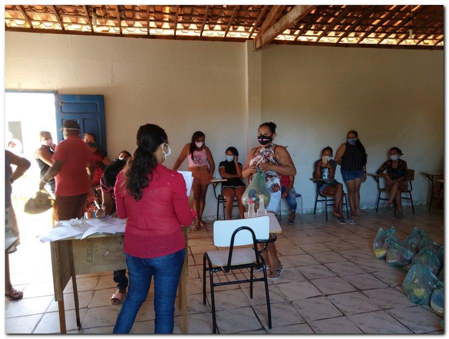 Prefeitura de Inhuma e Secretaria de Educação entrega  Kits de Alimentação Escolar  - Imagem 4