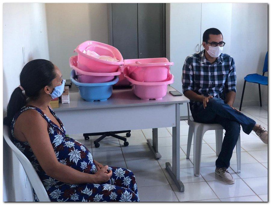 Secretaria de Trabalho a Ação Comunitária realiza entrega de Kits para gestantes  - Imagem 3