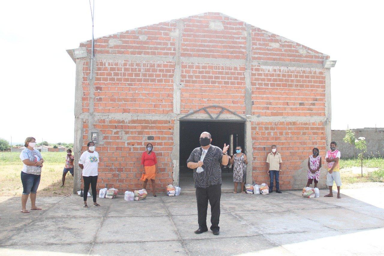 Famílias recebem cestas arrecadadas entre empresas do consórcio de PPPs em Teresina - Foto: Raíssa Morais