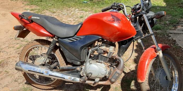 Polícia Militar recupera mais uma moto no interior do Estado