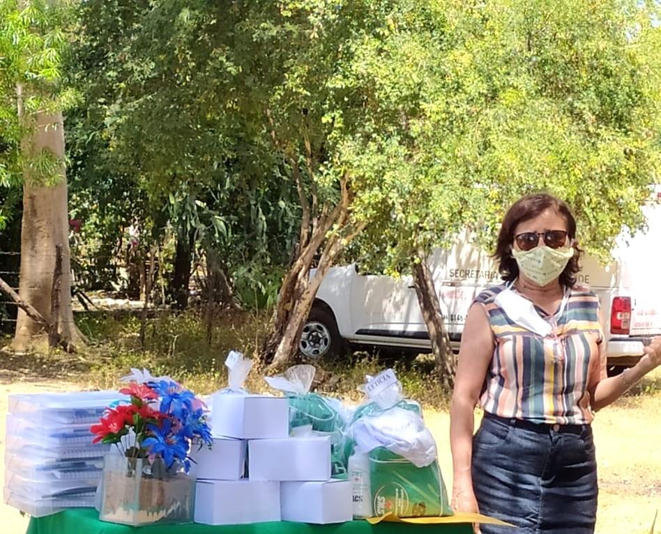 Secretária de saúde de Jatobá do Piauí Noemia Oliveira faz entrega de kits de EPI´s para as equipes de saúde do município - Imagem 1