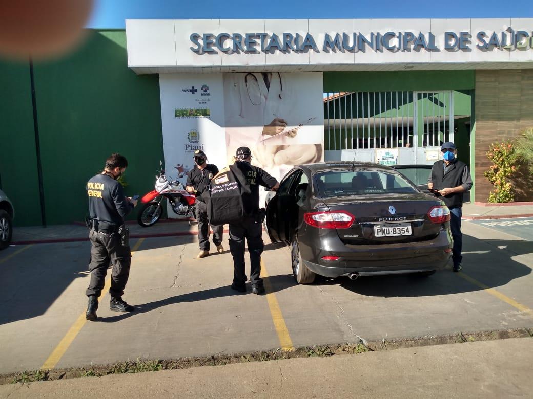PF cumpre mandados na Secretaria Municipal de Picos - Foto: Divulgação/PF