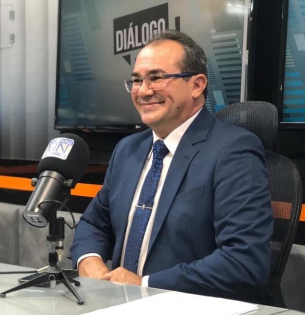 Prefeito de Nazária, Osvaldo Bonfim, assinou decretos