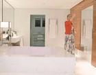 Famosos mostram banheiros na quarentena: Ana Hickman tem um de 120m²