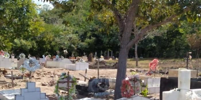 Respeito pelos mortos, prefeitura manda limpar cemitério