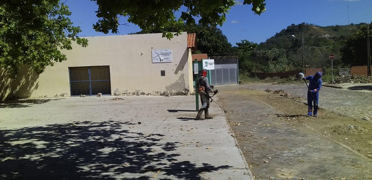 Prefeitura mantendo a limpeza dos logradouros públicos em dia - Imagem 9
