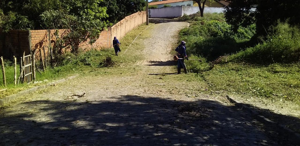Prefeitura mantendo a limpeza dos logradouros públicos em dia - Imagem 3