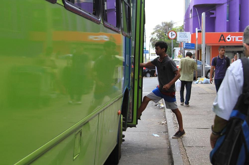 Frota de ônibus em Teresina será de 30% nesta sexta-feira (Foto: Leo Vilari /Jornal Meio Norte)