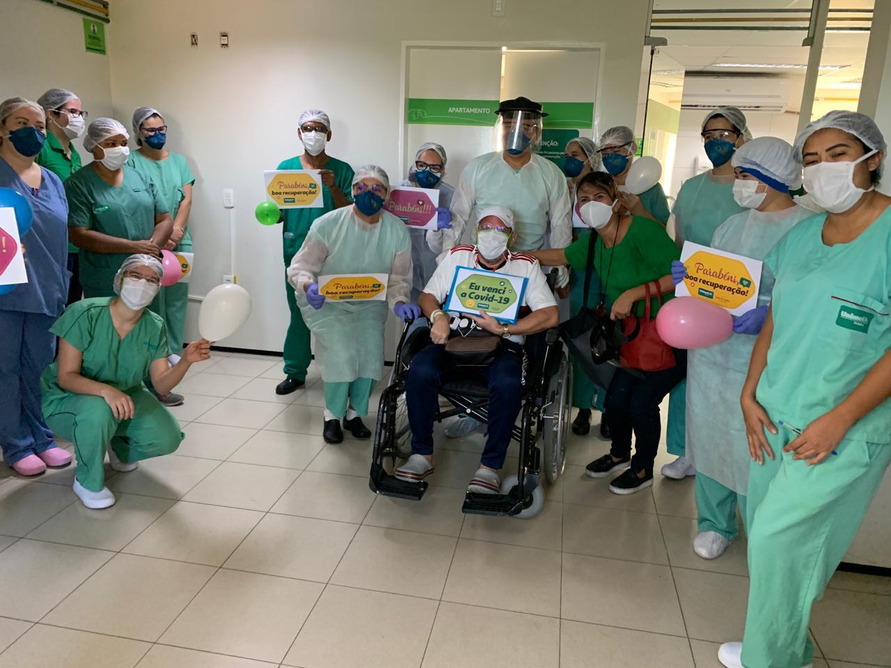Médico curado da covid-19 recebe alta do Hospital Unimed Primavera - Imagem 1