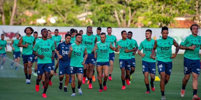 Jogadores do Flamengo voltam a receber vencimentos integrais