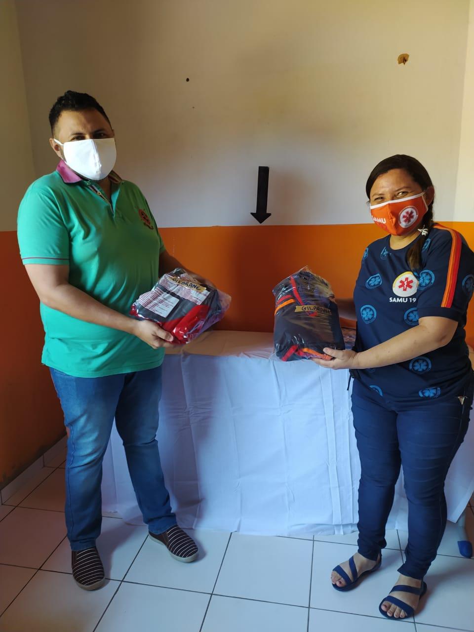 Prefeitura de Monsenhor Gil faz entrega de fardamento novo para SAMU - Imagem 5