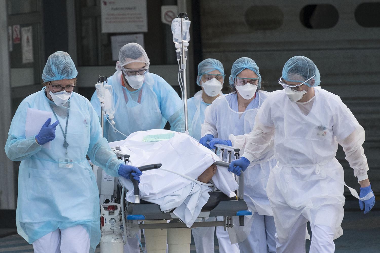 Brasil registrou 1.156 mortes em 24 horas Foto: AFP