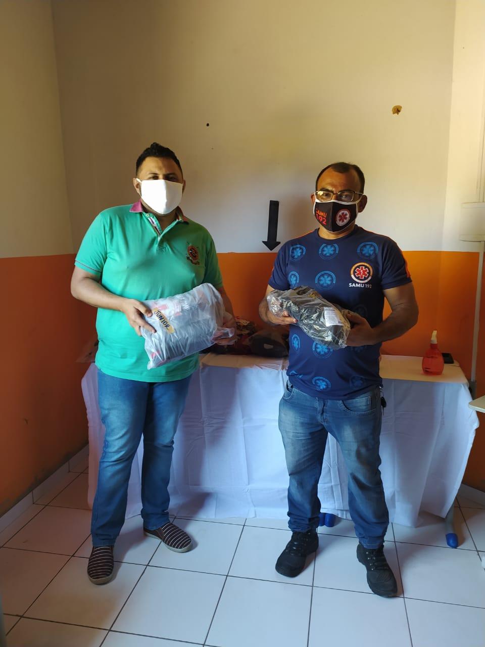 Prefeitura de Monsenhor Gil faz entrega de fardamento novo para SAMU - Imagem 6
