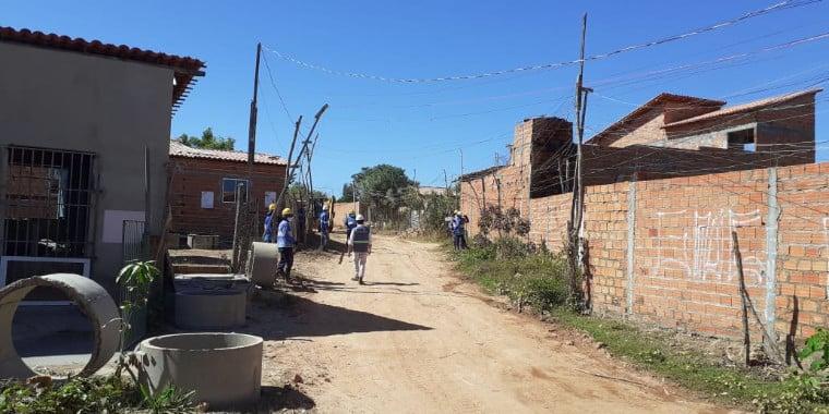 Mais de 10 mil moradores de ocupação recebem água tratada