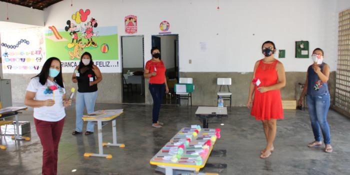 Dia do amigo comemorado na escola municipal Manoel Gregório