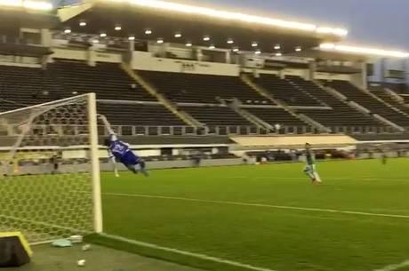 Paulinho acerta pelo chute, sem chance para Jefferson - Reprodução Instagram @saopaulofc