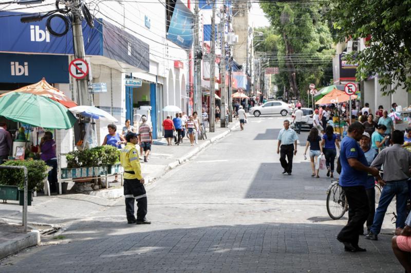 Novos setores da economia estão autorizados a funcionar a partir desta segunda dia 27 - Foto: Divulgação