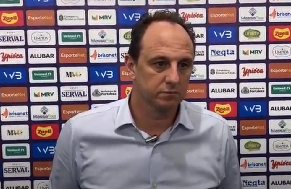 Envergonhado com eliminação, Ceni, técnico do Fortaleza falou dos pontos da derrota-Foto: Reprodução TV Leão