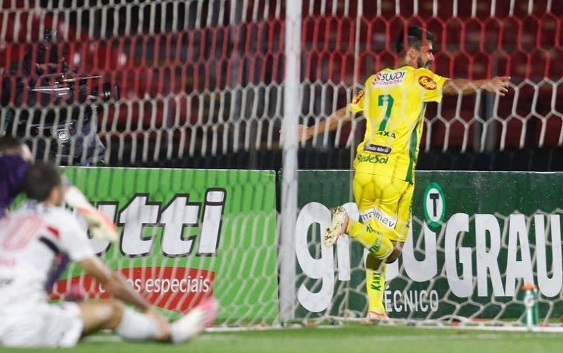 Zé Roberto marcou dois gols na vitória do Mirassol no Morumbi (Foto: Mirassol FC)
