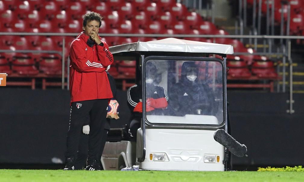 Departamento de futebol do São Paulo não pensa em trocar Fernando Diniz agora — Foto: Rubens Chiri / saopaulofc.net