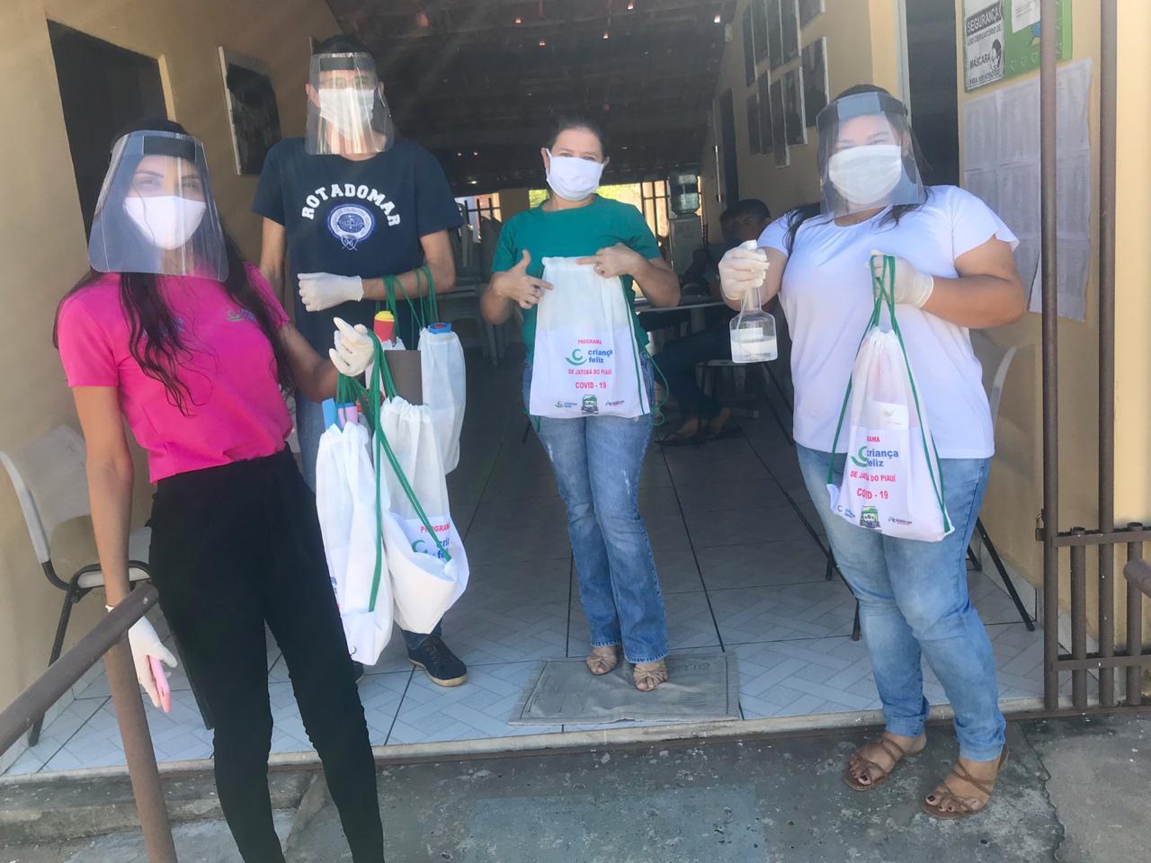 Jatobá do Piauí dá início a entrega de kits de proteção aos usuários do Programa Criança Feliz no município  - Imagem 3