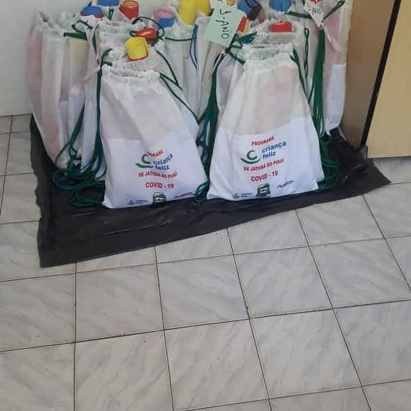 Jatobá do Piauí dá início a entrega de kits de proteção aos usuários do Programa Criança Feliz no município  - Imagem 4