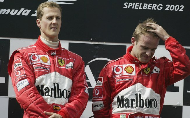 Schumacher no GP da Áustria de 2002 com Barrichello - Foto: Getty Images