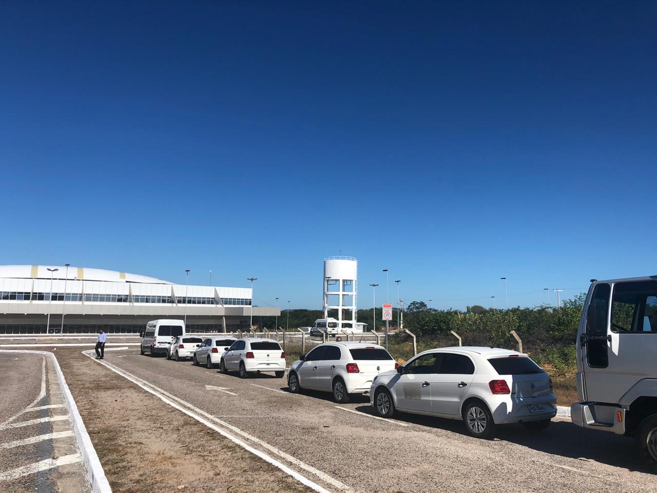 Comitiva de Jair Bolsonaro desembarca em São Raimundo Nonato (Foto: André Pessoa)